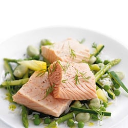 steamed-salmon-with-green-vegetables
